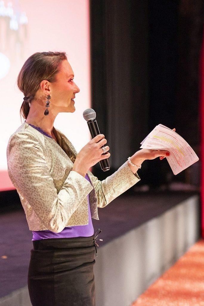 Kathrin Jakubik - Moderator und Texter aus Karlsruhe
